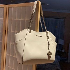 Snow white Michael Kors bag